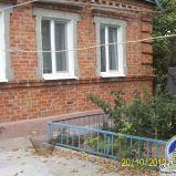 Пропонується до продажу будинок на березі Азовського моря.