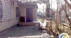 Доглянутий будинок, мікрорайон АКЗ, р. Бердянськ