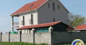 Новий двоповерховий будинок на березі Азовського моря, м. Бердянськ